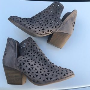 ANTHROPOLOGIE Musse & Cloud Laser Cut Bootie